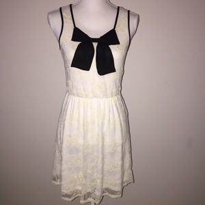 Moa Moa Black & White Lace Bow Dress