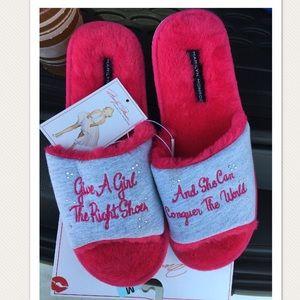 d33ba03712272 Marilyn Monroe Slippers for Women