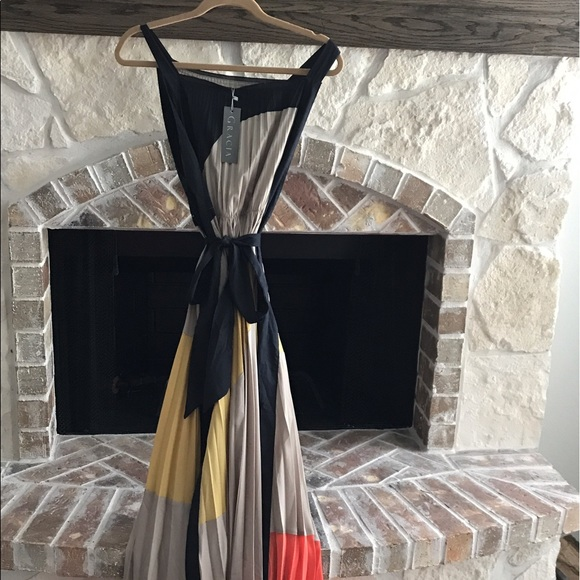 Gracia pleated color block dress