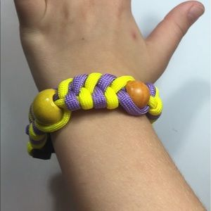 Jewelry - Handmade 550 Paracord bracelet with wooden beads
