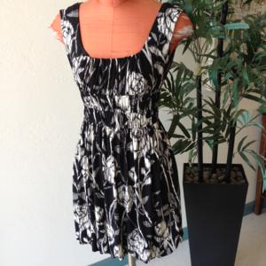 Maggie London Black White Dress