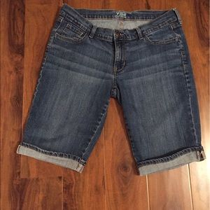 Old Navy denim Bermuda shorts size 10