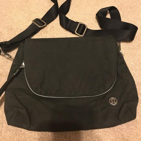 38607acf7eb5 Lululemon Athletica Black Festival Crossbody Bag