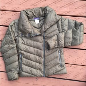 fcfdb8d60 Patagonia W's Prow Down Jacket in fatigue green