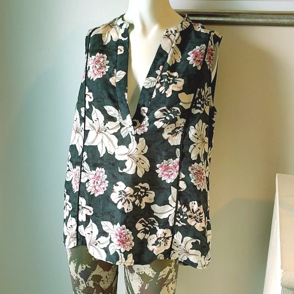 Philosophy Tops - Philosophy #HighLow Floral Tunic