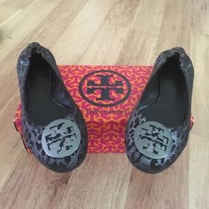 Gorgeous limited edition Tory Burch cheetah flats✨