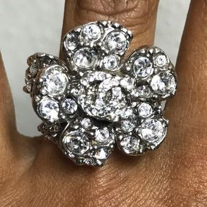 Chanel flower ring with stones