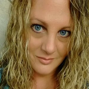 Meet the Posher Other - Meet your Posher, Jennifer