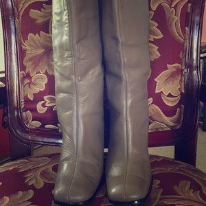 Vintage chunky heels knee high boots