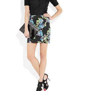 NWT $325 Elizabeth and James Floral Scuba Skirt