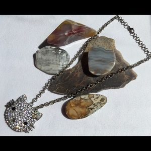 Jewelry - 🌹🌹Miss Kitty necklace🌹🌹