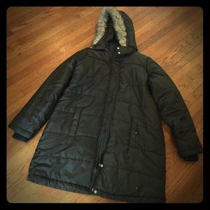 Motherhood Maternity large bl puffer jacket/coat