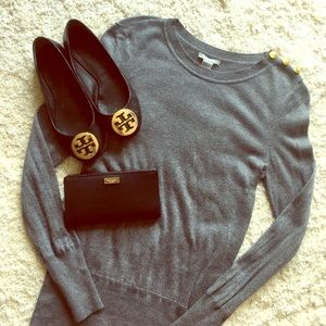 ✨ Grey sweater with button detail ✨
