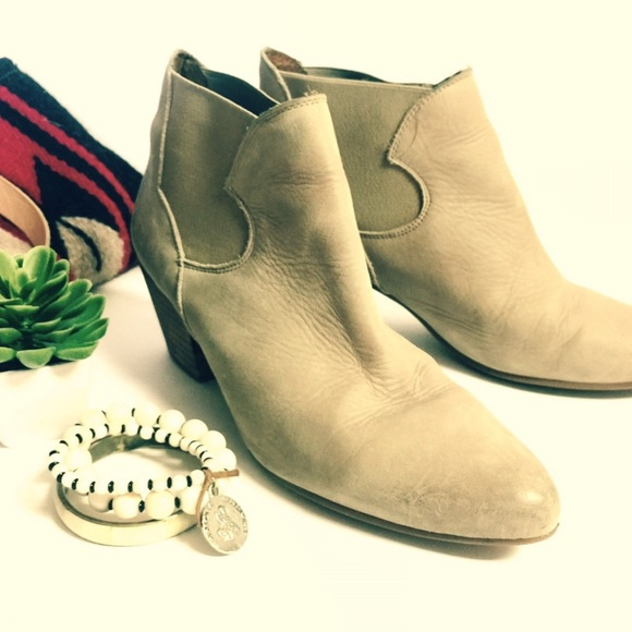 05f914d70607 Anthropologie Shoes - Anthropologie Sixtyseven Beige Leather Ankle Boots