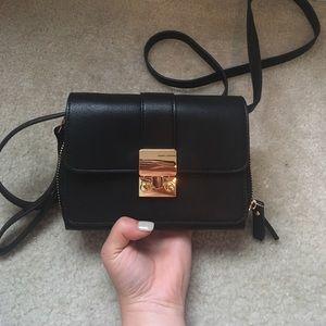 Handbags - Adjustable crossbody bag