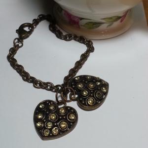 Green rhinestone heart antiqued gold bracelet NWOT