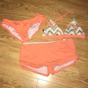 Other - O'Neil 365 bikini w bottoms and boy short bottoms