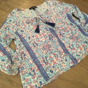 Tops - Floral cropped blouse
