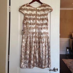 37bd19be3c7e Vera Wang Dresses - Vera Wang NWT Gold Paillette & Sequin Shift Dress.
