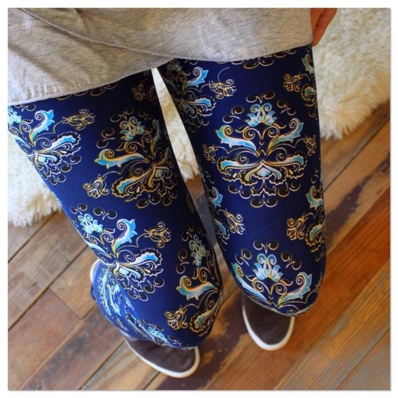 Pants - LAST PAIR! Modern Print Leggings OS