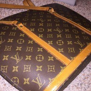 Authentic Louis Vuitton vintage babylone