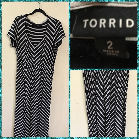 a9025f1227 Torrid Black & White Striped Maxi Dress. M_596ab256bf6df53ec202881d