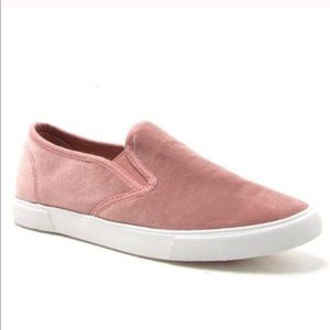 1 LEFT💕pink velvet slip on sneakers