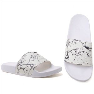 SALE💸marble slides sandals black white
