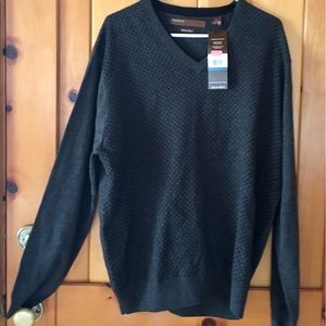 Perry  Ellis new sweater size XL