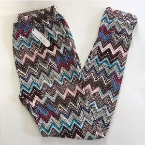 Pants - (Plus) Chevron leggings
