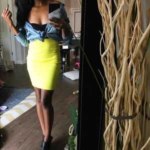 F21 neon yellow midi body con skirt // size small