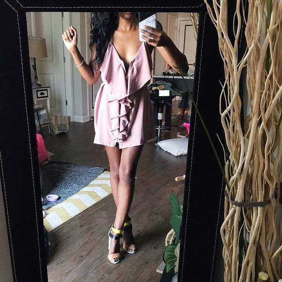 Dresses & Skirts - Mauve purple ruffled dress // Small