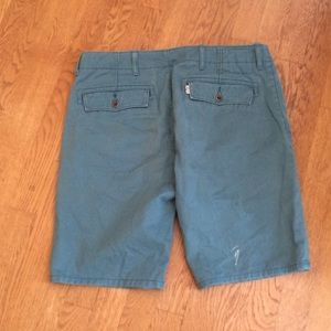 Levi's shorts size 31 green