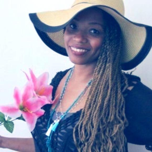 Meet the Posher Other - Meet your Posher, Kelly Kayla