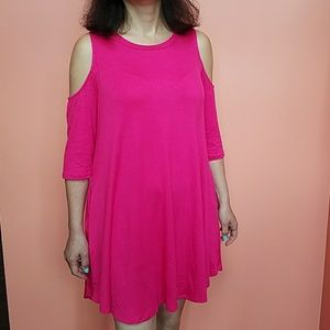 NWT UMGEE PINK Cold shoulder dress with pockets