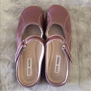 Mary Janes Very Gently Worn. Sz 9