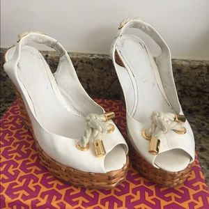 FLASH SALE! Tory Burch White Leather Wicker Wedges