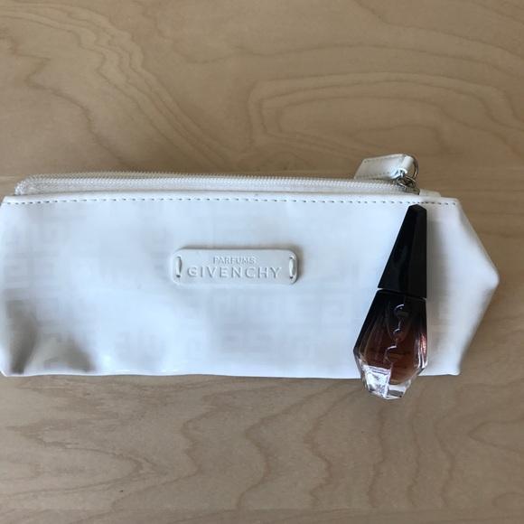 Givenchy Bags New Parfums Makeup Bag And Fragrance Poshmark 120d7b1f9f