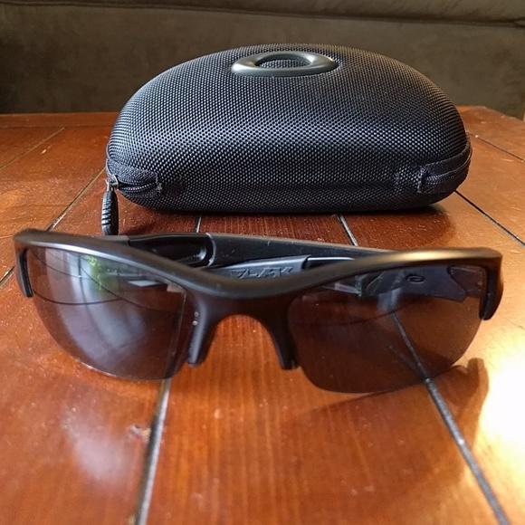 61b0aef609 Oakley s Flak Jacket Standard Issues Sunglasses. M 596ba9b25c12f8936a00d5ab