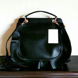 💲59✂NWT Crossbody Black Satchel Bag