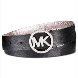 Michael Kors Reversible Leather Belt (size M)