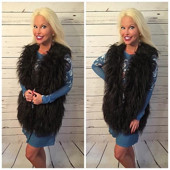 Jackets & Blazers - LAST 1! SALE!! Gorgeous Black faux fur vest!