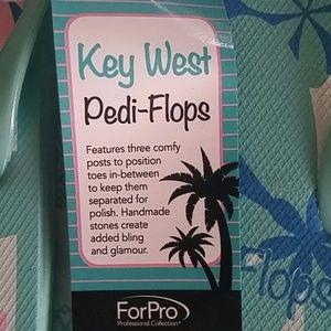 d5a662d6c59f ForPro Shoes - NWT Pedi-Flops from Key West Pedicure Flip Flops