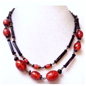 🎈sale🎈Vintage  Red & Black Long Necklace