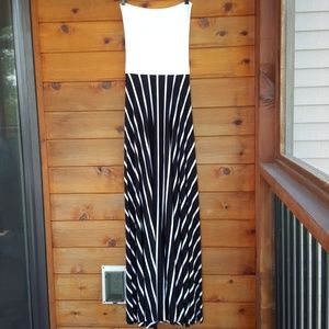 NWT OLIVACIOUS BLACK/WHITE stripes maxi dress