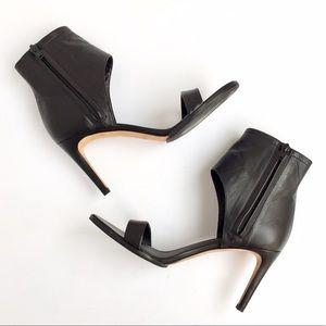 🆕NWOT Vince Annalie Black Leather Sandals
