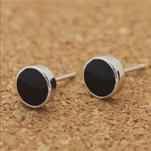 Jewelry - Just In✨Tiny dainty Silver & Black stud earrings✨