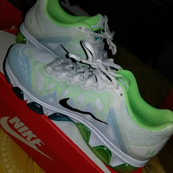 finest selection d9b4e 41275 Nike AirMax Tailwind 7 NO BOX. M 596bee33bcd4a7e7bd021af2