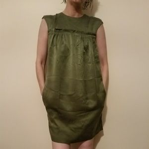 BCBGMaxAzria Dresses - BCBGMaxAzri  100% silk dress