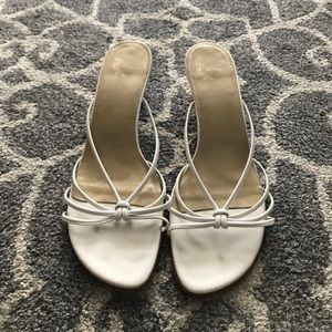 EUC White kitten heels